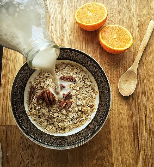 almond-milk-1074596_640