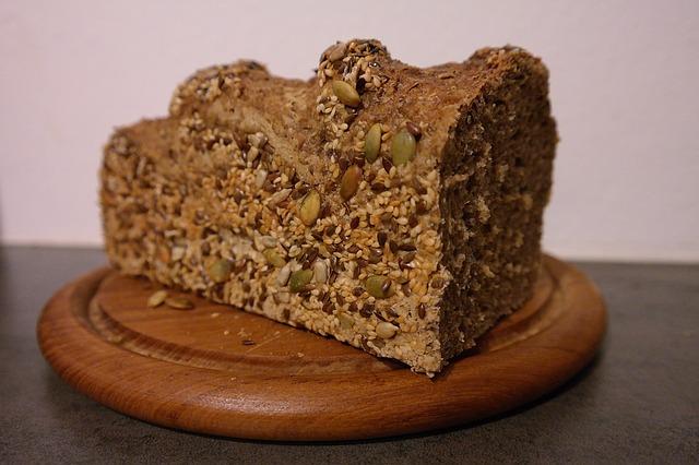 bread-1192236_640